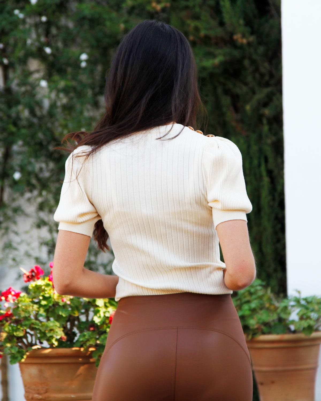 jersey-hilo-beige-botones-hombro