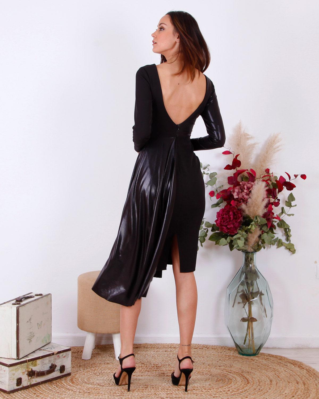 vestido-corto-falda-capa-negra
