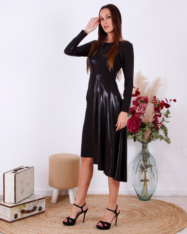 vestido-corto-negro-asimetrico