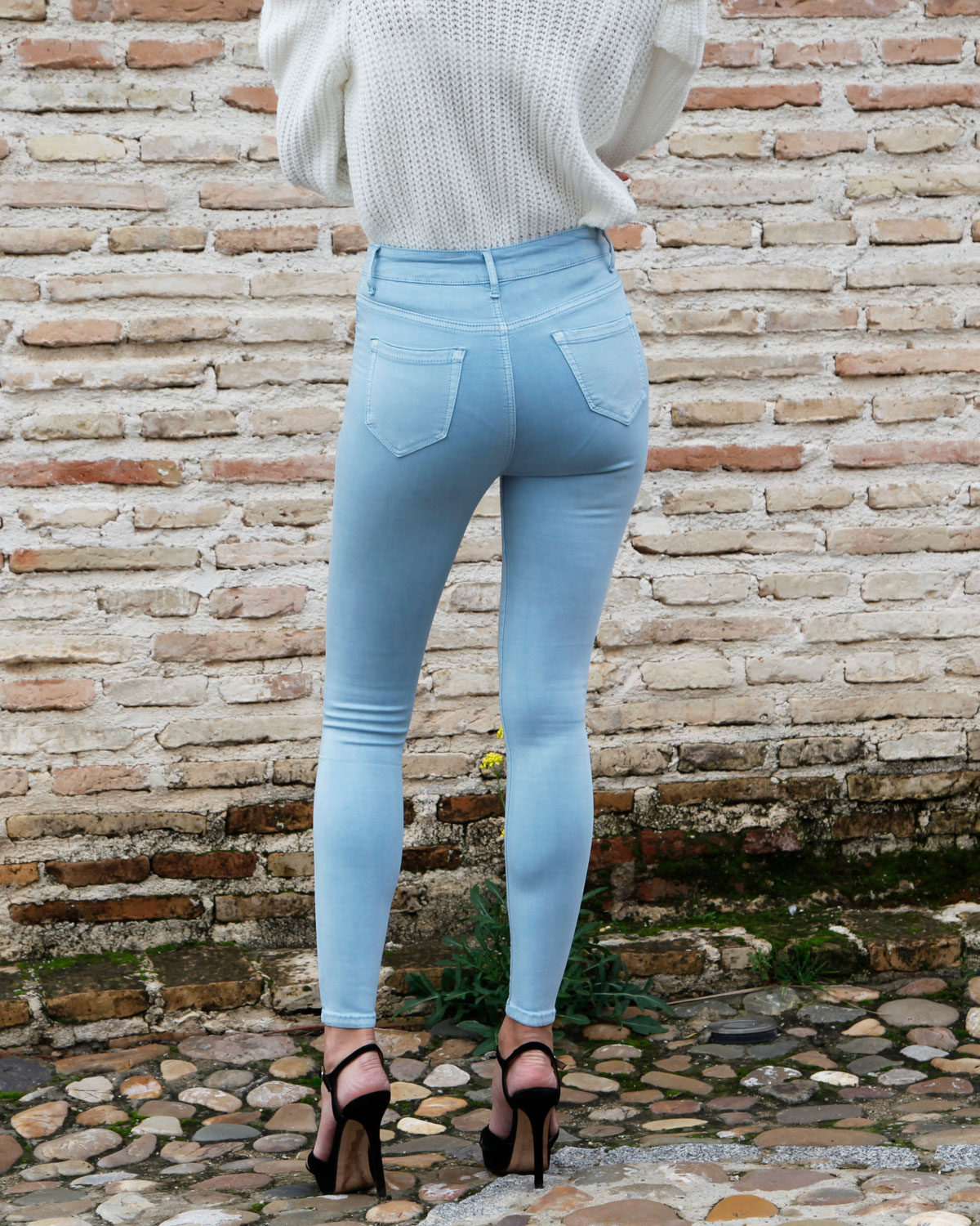pantalon-celeste-push-up