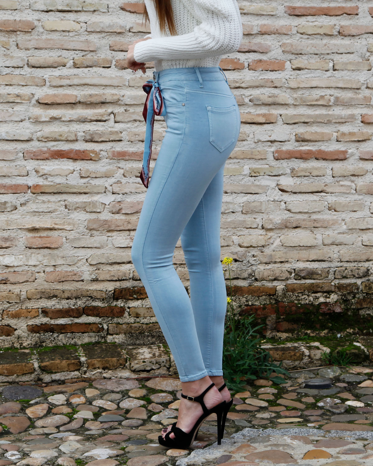 pantalon-push-up-celeste