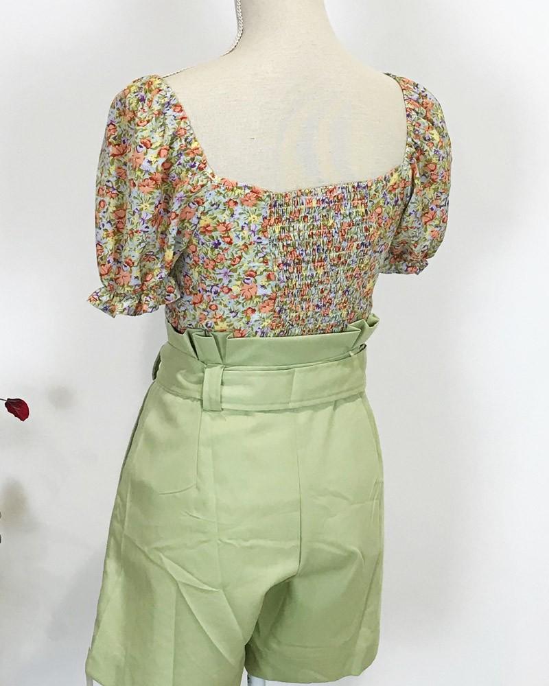 blusa-florecillas-verde-ligera